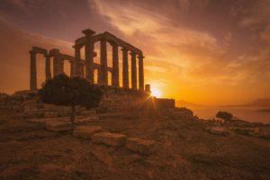 Πρόσθετο Εκπαιδευτικό Υλικό για τα Αρχαία Ελληνικά - Επιλέξαμε για το κείμενό μας το οποίο παρουσιάζει σε μορφή ευρετηρίου τα κείμενα που δημοσιεύουμε για τα αρχαία ελληνικά μια φωτογραφία της cristina gottardi, η οποία απεικονίζει το ναό του Ποσειδώνα στο Σούνιο.